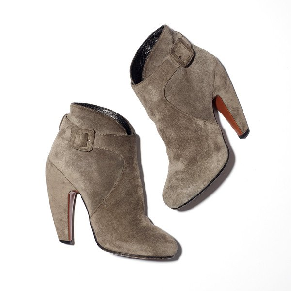 Jennifer Aniston's Suede booties with buckle