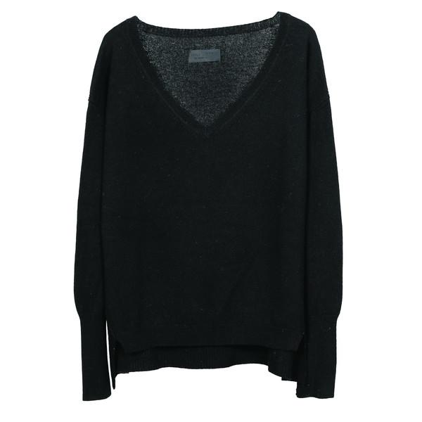 V-neck sweater with hi-lo hem