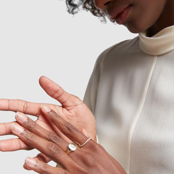 BONDEYE JEWELRY Josie Yellow-Gold Signet Ring