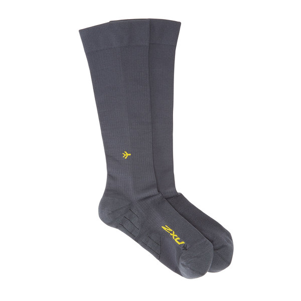 2XU  Unisex Flight Compression Socks - Light Cushion