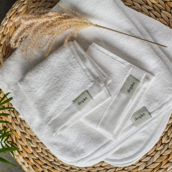 DROPLET HOME GOODS 2 Organic Hooded Baby Towels + Washcloths
